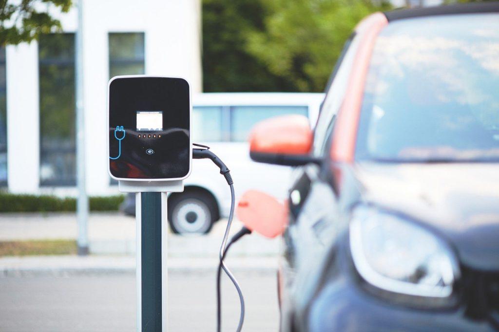Station de recharge pour voiture électrique - Actuauto.fr