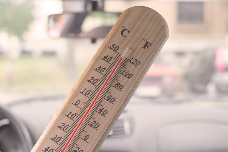 FAit il moins chaud dans une voiture blanche ?;Carrosserie chaude voiture; auto; forte température | Actuauto.fr